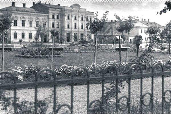 Pohľad na Štúrov park v minulosti.