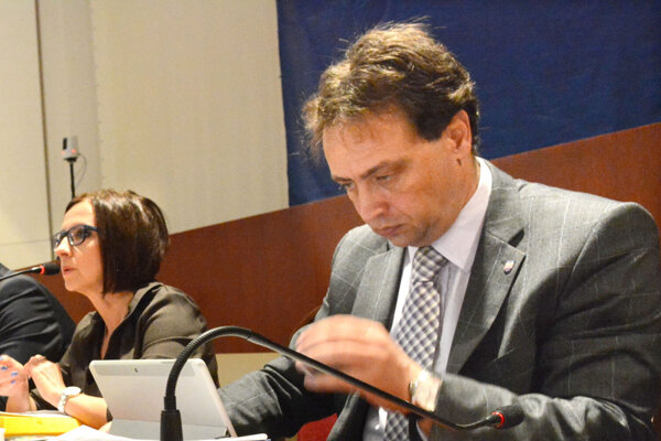 Predseda predstavenstva DPMK a riaditeľ magistrátu Marcel Čop.