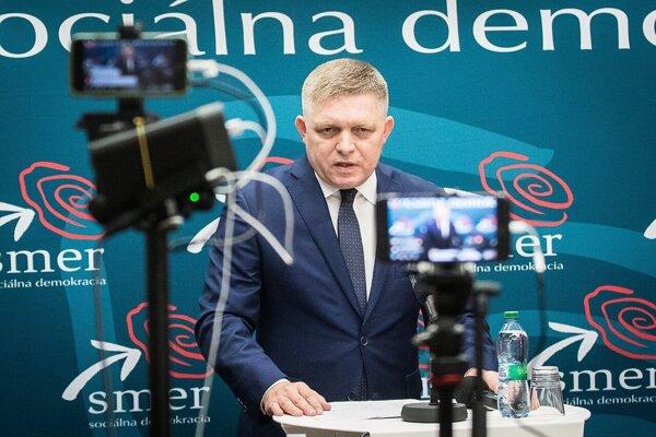 Zvolanie schôdze avizoval predseda Smeru-SD Robert Fico.