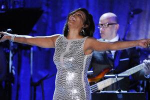 Turné hologramovej šou s Whitney Houstonovou prerušil koronavírus