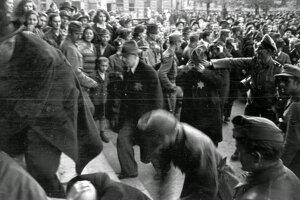 V priebehu pár mesiacov deportovali bezmála pol milióna maďarských židov.