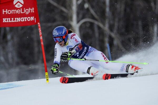 Petra Vlhová na trati prvého kola obrovského slalomu v americkom Killingtone.