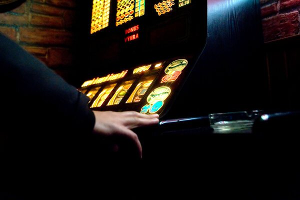 Ak odpustíme dlhy, ktoré si narobili neliečení gambleri, tak tým vlastne podporujeme nezodpovedné správanie, píše sa v rozhodnutí súdu.