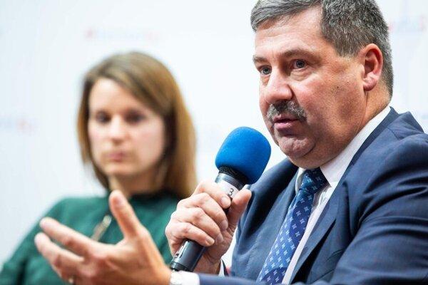 Štátny tajomník MZV František Ružička na diskusii vMartine.
