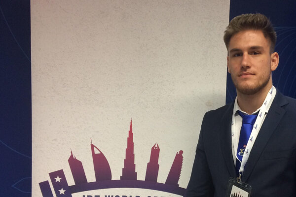 Kristián Slíž ako delegát na kongrese IPF.