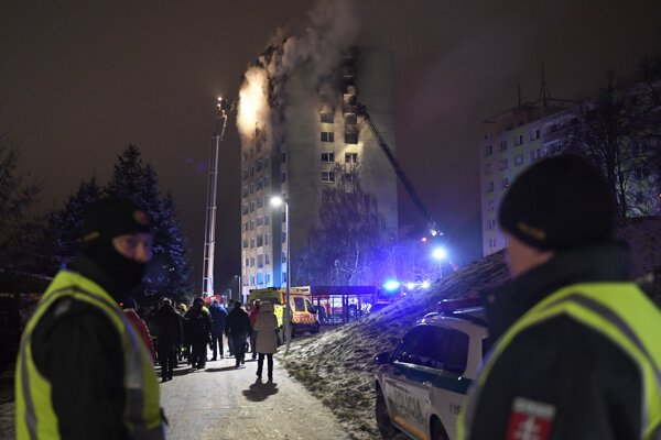 Piatkový výbuch má zatiaľ sedem potvrdnených obetí.