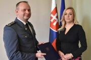 Viceprezident HaZZ Adrián Mifkovič s ministerkou vnútra Denisou Sakovou (Smer).
