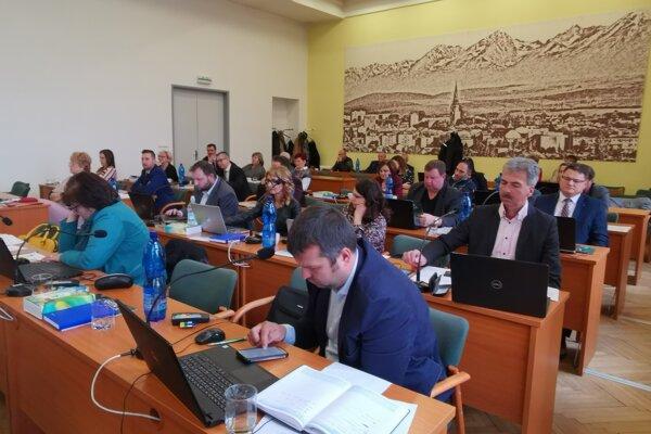 Za návrh mesta pomôcť Prešovčanom poslanci zahlasovali jednomyseľne.