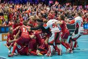 Švajčiarske florbalistky po postupe do finále.