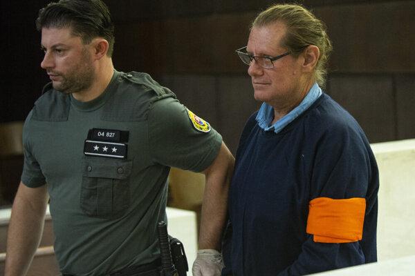 Na snímke obžalovaný v kauze IRIS - zariadenia pre seniorov Ivan Biháry.