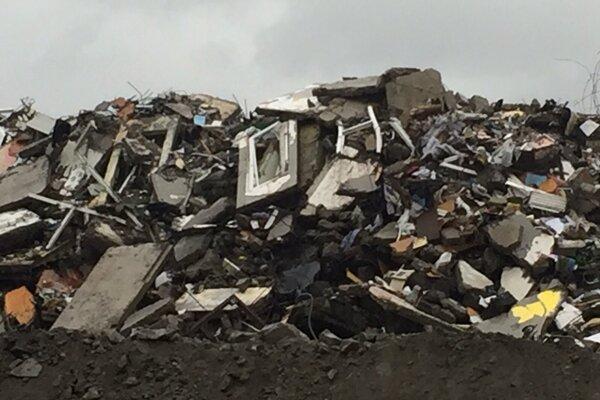 Pohľad na to, čo ostalo z bytovky na Mukačevskej 7 v Prešove.