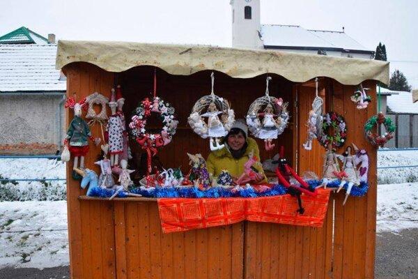 Jeden zo stánkov na Vianočných trhoch.