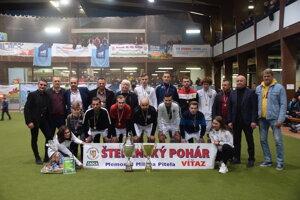 Víťazný tím Jamir aj s Ladislavom Borbélym.