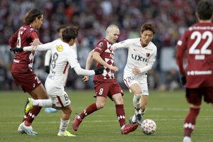 Andrés Iniesta v drese Vissel Kobe vo finále japonského Cisárskeho pohára.
