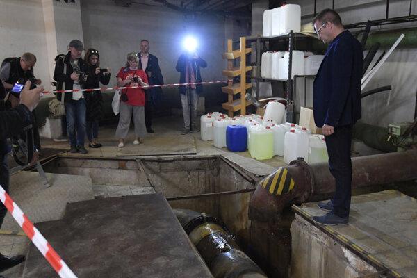 Naposledy zvýšila plaváreň ceny v apríli, keď starosta ukazoval novinárom dezolátny stav technického zázemia.