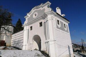 Piarska brána dnes.