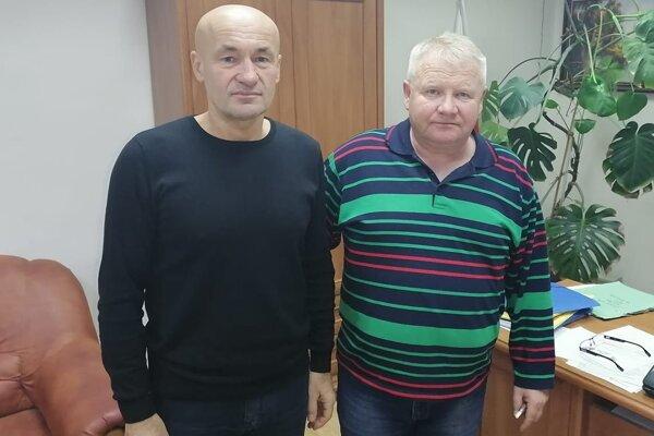 Staronový kouč Humenného Jozef Škrlík (vľavo) s novým predsedom správnej rady Oskarom Balogáčom.