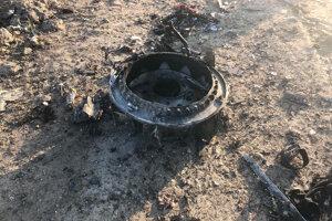 Časť trosiek havarovaného ukrajinského lietadla.