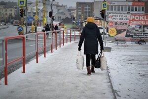 Cesty sú v Prešove bez ľadu a snehu, o chodníkoch sa to povedať nedá.