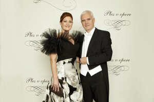 Andrea Cocherová, riaditeľka dobročinného Plesu v opere s manželom Ivanom Golianom, zástupcom generálneho riaditeľa Orange Slovensko, riaditeľom úseku informačných systémov a sietí