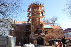 Budovu Sokolovne už rekonštruujú (Senica)