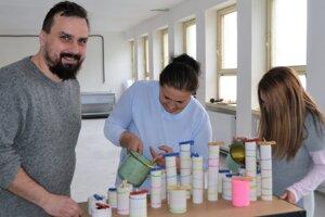 David Turčáni, včelár a riaditeľ projektu Voštinári tvrdí, že v regióne je veľa šikovných ľudí. S prácou žien je spokojný.
