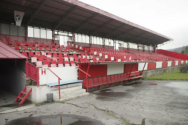 S prácami na futbalovom štadióne by chceli začať  začiatkom leta.