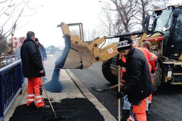 Ďalšia veľká akcia po obnove mosta pri Štrande sa nechystá.