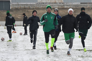 Prešovskí futbalisti zaberali v stredu na ploche hlavného štadióna.