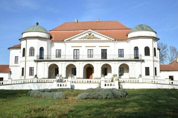 Kaštieľ v Michalovciach, sídlo Zemplínskeho múzea.
