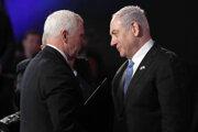 Americký viceprezident Mike Pence (vľavo) a izraelský premiér Benjamin Netanjahu.