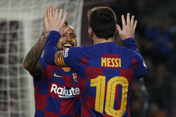 Arturo Vidal a Lionel Messi.