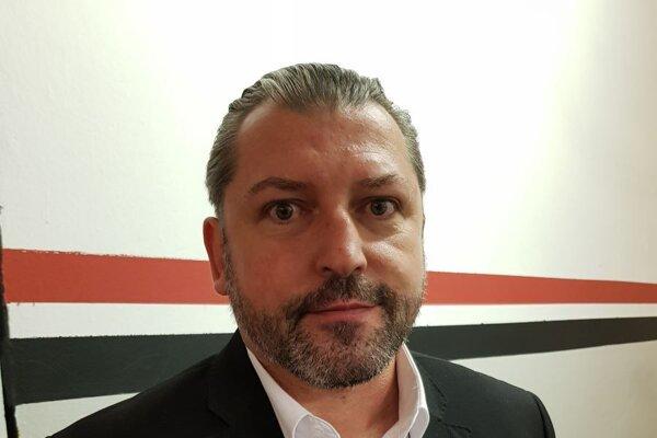 Tréner hokejistov HK Trnava Štefan Mega