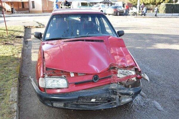 Narazil do hasičského auta a nafúkal takmer dve promile.
