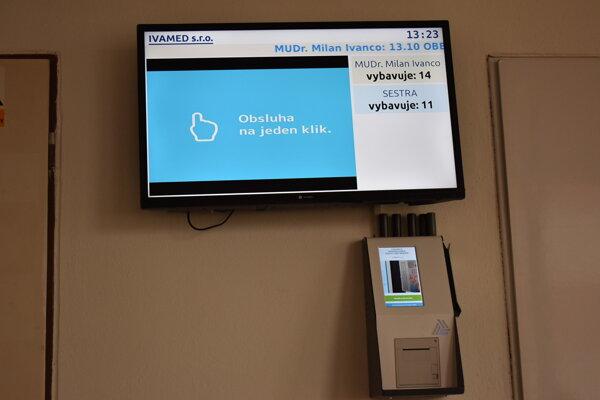 Objednávací systém v čakárni.