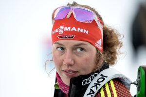 Laura Dahlmeierová sa  vracia na biatlonové súťaže ako spolukomentátorka.