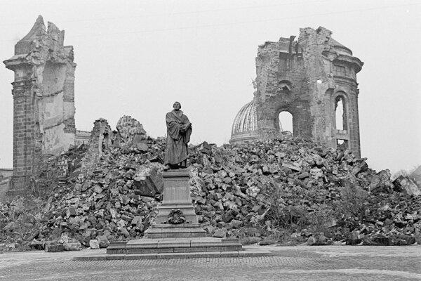 V troskách skončili aj drážďanské barokové pamiatky.