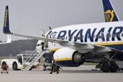 Akcie Ryanairu klesli o 13,5 percenta.