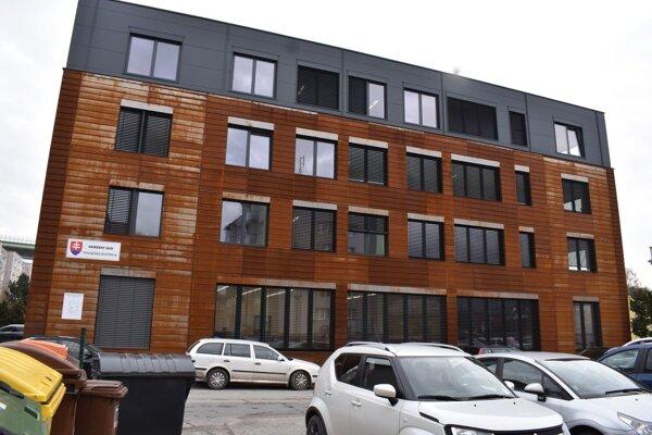 Nová budova súdu.