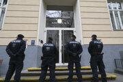 Polícia pred školou vo Viedni.