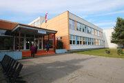 Najväčšie liptovské sídlisko volí v jednej budove, v Základnej škole Janka Kráľa.