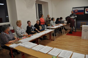 Voľby do NR SR v Trstenej.