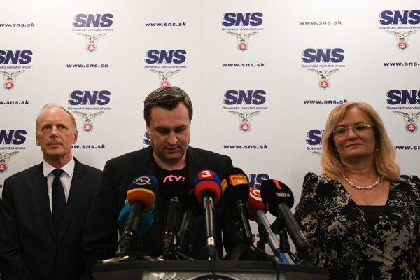 Predseda SNS Andrej Danko na tlačovej konferencii po voľbách.