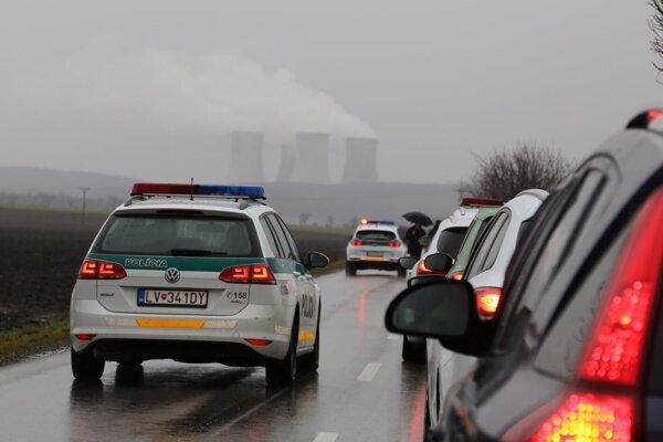 Príprava na akciu na ceste smerom do Mochoviec.