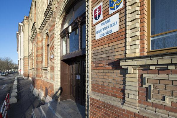 Školu na Fajnorovom nábreží v Bratislave na dva dni uzavreli