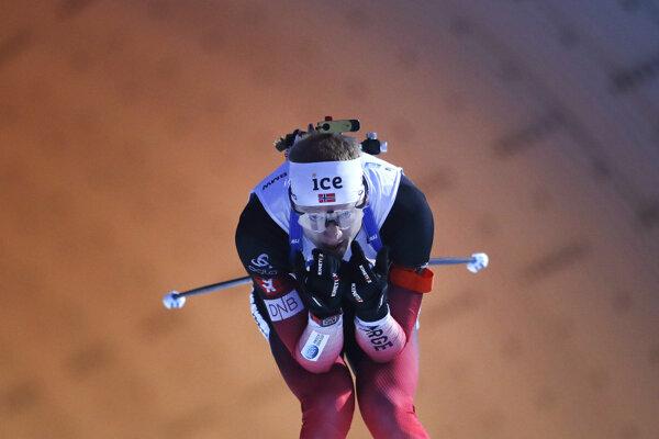 Johannes Thingne Bö v šprinte mužov na 10 km 7.kola Svetového pohára v biatlone v Novom Meste na Morave 6. marca 2020.
