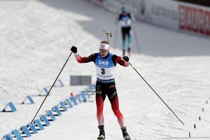 Johannes Thingnes Bö vyhral preteky s hromadným štartom v Novom Meste na Morave.