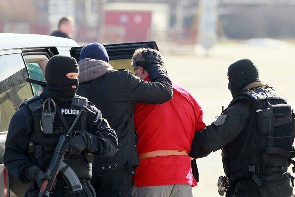 Na prípade spolupracovali policajti zo Slovenska, Poľska, Francúzska a Ukrajiny.