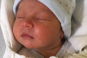 Levente Fabian\n(50 cm, 3200 g)\nsa narodil 31. januára Anikó Fabianovej a Karolovi Fabianovi zo Šiah.