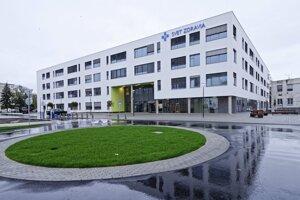 Michalovská nemocnica by mala zvládnuť aj pacientov z okresu Trebišov.